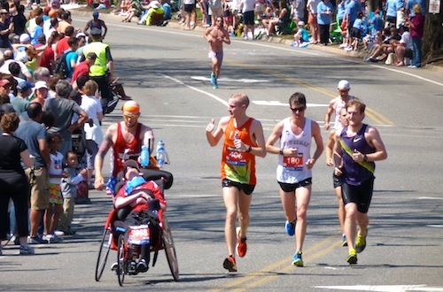 Team Hoyt gets a thumbs up - Mile 21