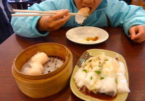 Photo of shrimp dumplings and scallion noodle rolls and Great Taste dim sum restaurant in Boston- www.boston-discovery-guide.com
