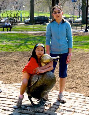 Make Way for Ducklings sculpture in Boston's Public Garden - photo