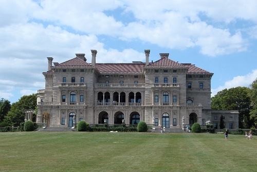 Photo of The Breakers, one of Newport's famed mansions / Newport Tourism Attractions -  www.boston-discovery-guide.com