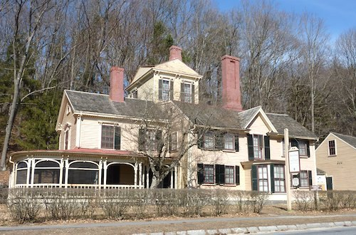Photo of The Wayside in Concord, Massachusetts / www.boston-discovery-guide.com